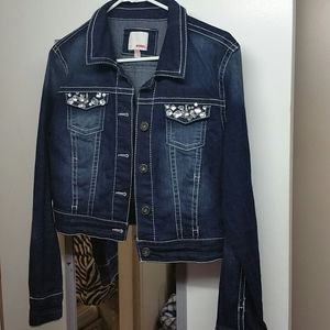 Drk blue distressed stretch beaded denim jacket L